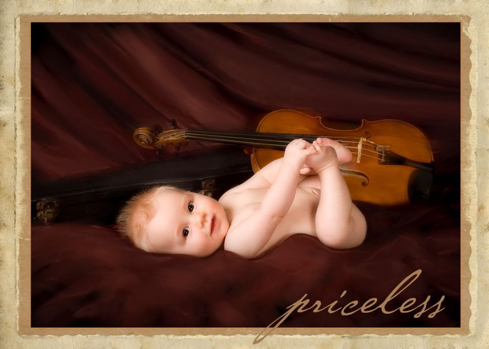 baby 4 month with violin